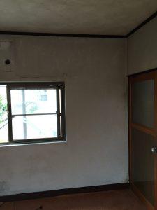 コンクリートなお部屋と標準仕様の外壁。